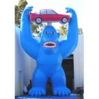 25 Ft Gorilla with Car in Hands